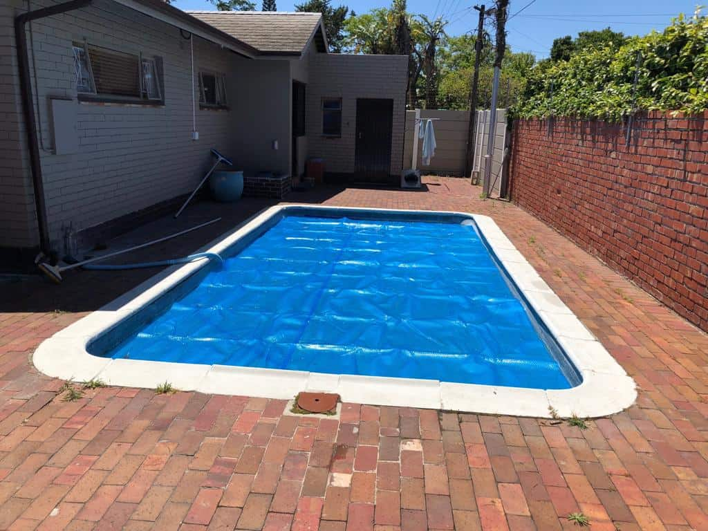 bubble wrap pool cover cape town - oct 2018 1