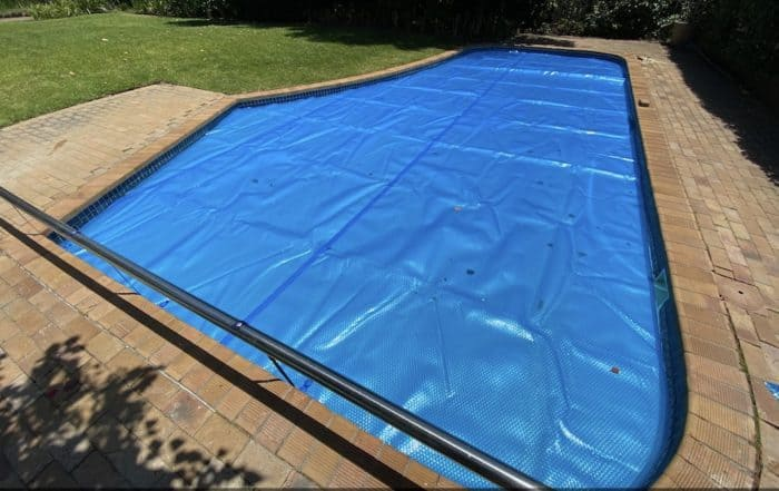 Bubble Wrap Floating Pool Cover Solar Pool Blanket 3 copy